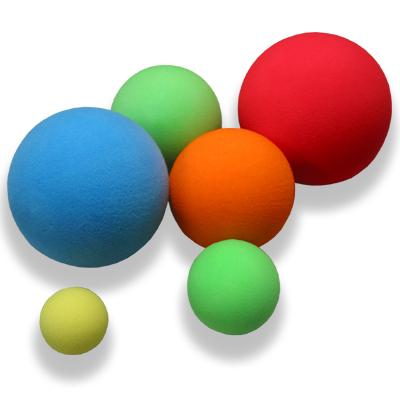 Pěnové míčky různých rozměrů